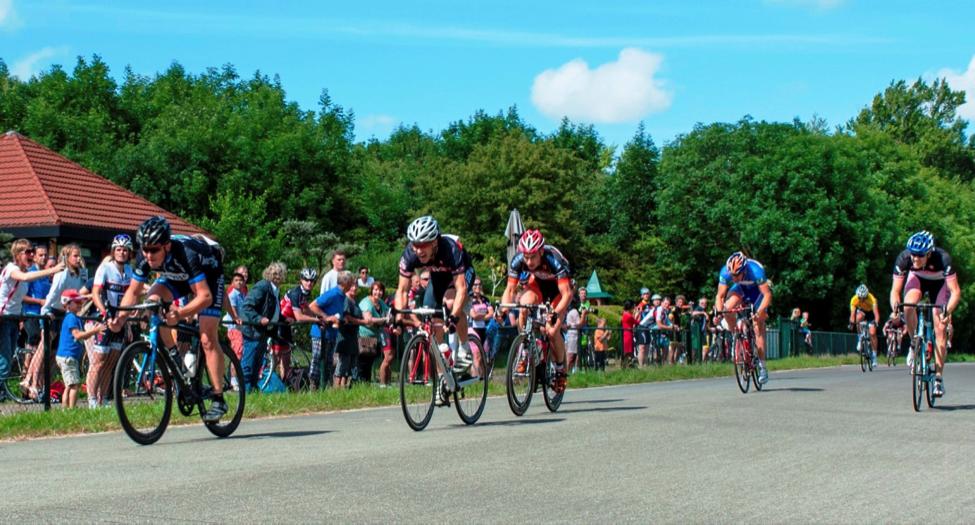 persoonlijke-ervaringen - NK Wielrennen Medici 2014 10 - NK Medici – Klamme handjes met rood wit blauwe nagels - raceverslag, Nederland, Fietsen, Charles