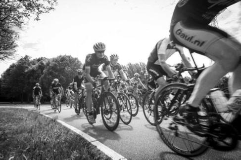 persoonlijke-ervaringen - NK Wielrennen Medici 2014 3 - NK Medici – Klamme handjes met rood wit blauwe nagels - raceverslag, Nederland, Fietsen, Charles