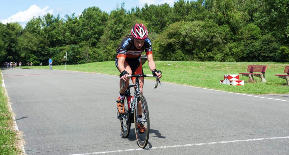 persoonlijke-ervaringen - NK Wielrennen Medici 2014 7 - NK Medici – Klamme handjes met rood wit blauwe nagels - raceverslag, Nederland, Fietsen, Charles