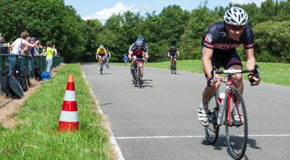 persoonlijke-ervaringen - NK Wielrennen Medici 2014 8 - NK Medici – Klamme handjes met rood wit blauwe nagels - raceverslag, Nederland, Fietsen, Charles