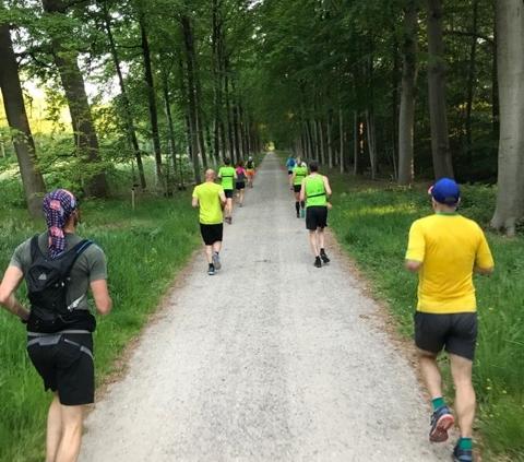 vereniging - Running 15 meter 480x423 - Trainingen worden op gepaste wijze weer opgestart! - Zwemmen, triathlon training, trainen, Hardlopen, Fietsen, COVID-19, Corona