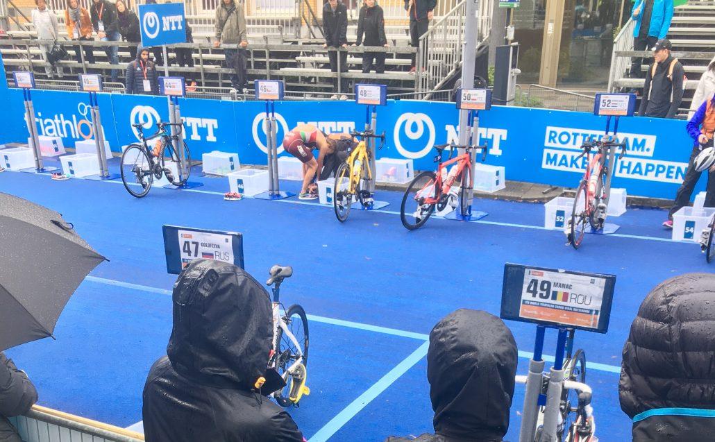 persoonlijke-ervaringen - WK Triathlon Rotterdam Wisselzone 1030x637 - Inspiratie opdoen bij het WK Triathlon in Rotterdam - raceverslag, internationaal, competitie